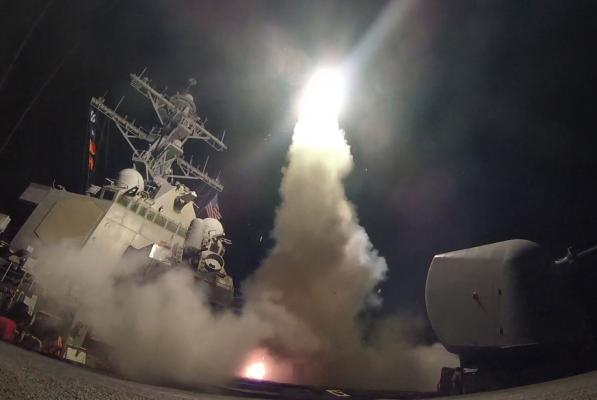 美國對敘利亞果斷「發射飛彈」不是因為正義,而是為了川普自己的「私人原因」!