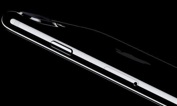 去年大家「搶著要」的iPhone 7曜石黑「因為兩大缺陷」,「打折賣」被爆料庫存太多賣不出去!