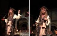 去迪士尼樂園玩的遊客坐船到一半發現「傑克史派羅船長怪怪的」,走近看「是真的強尼戴普」!(影片)