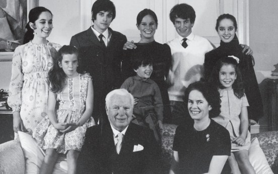 20張完全顛覆你印象的「好萊塢大明星不為人知舊照」。#11湯姆‧克魯斯收養的兒子真面目!