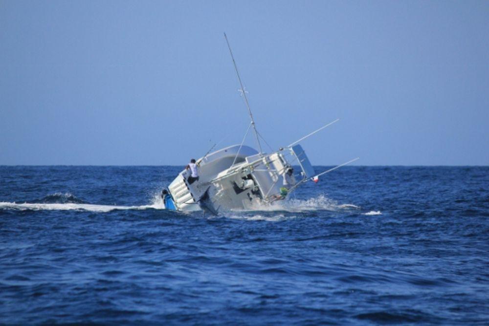 他們挑戰「最猛旗魚」判斷嚴重失誤,整艘船直接被拉到翻船!