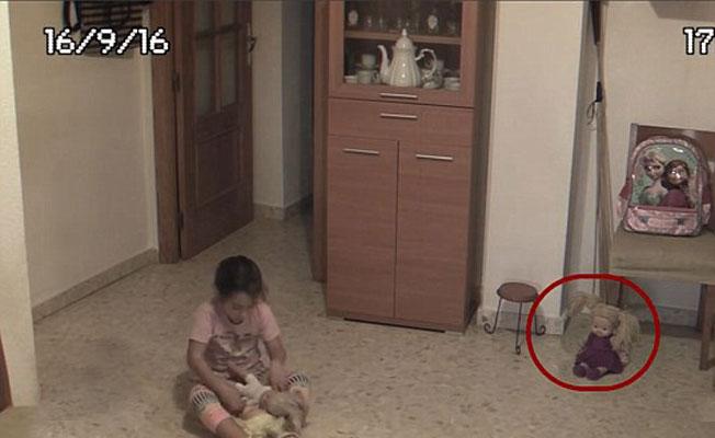 5個真實發生過的超恐怖「靈異娃娃」事件!#4光是看影片就讓一名女子心臟病發! (影片)