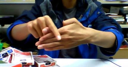 男子把小兒科的「大拇指分離術」直接升到不同次元的「超強開掛版」!突破你想像極限!