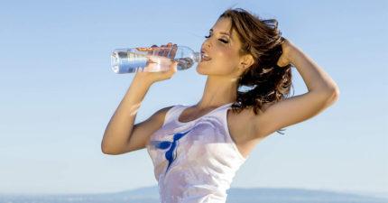 她1個月不碰飲料「只喝白開水」,身體出現驚人變化!