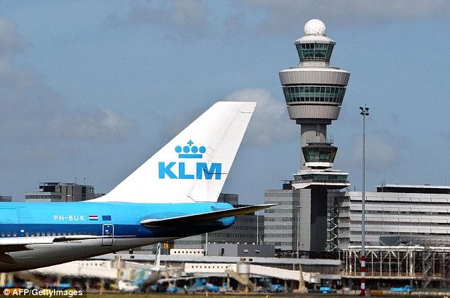 搭乘荷航乘客請注意:你的副機長可能就是「現任荷蘭國王」!他:開21年都沒被發現。