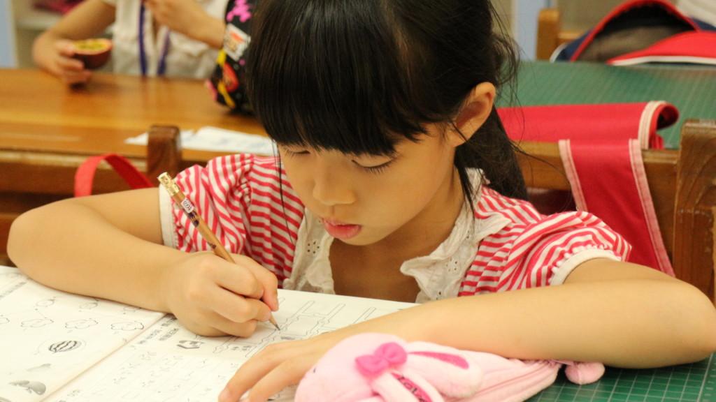 家長送小孩去補習只為「看到好成績」,補教名師沉痛告白:寧可成績爛,也別讓補習班毀了孩子!