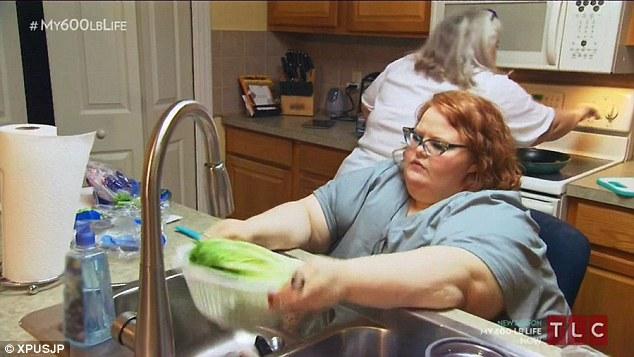 曾經「重達294公斤」連廁所都快爆掉,捨命「狂減200公斤」後讓人看了都想跟她談戀愛了!