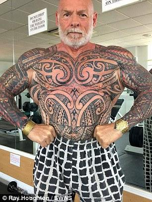 59歲天菜健美大叔「花21萬+痛苦200小時」讓自己回春!「脫光衣服全裸」連70歲阿嬤都被迷倒!