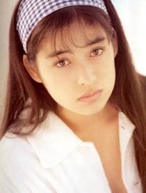 日本90年代玉女偶像驚爆過世9年,獨自「陳屍在家數天」才被發現,享年35歲。
