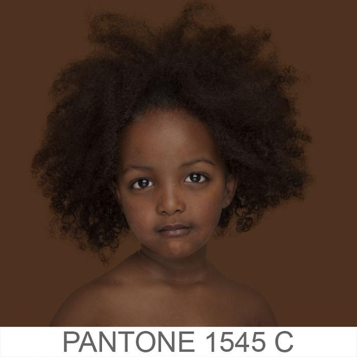 她跑遍19個國家「找到全世界所有膚色」 消除歷史最愚蠢觀念