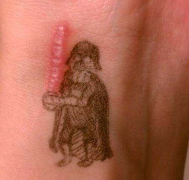 30款將過去傷痛變成最美未來的「傷疤刺青」!#11的光劍也太帥了!