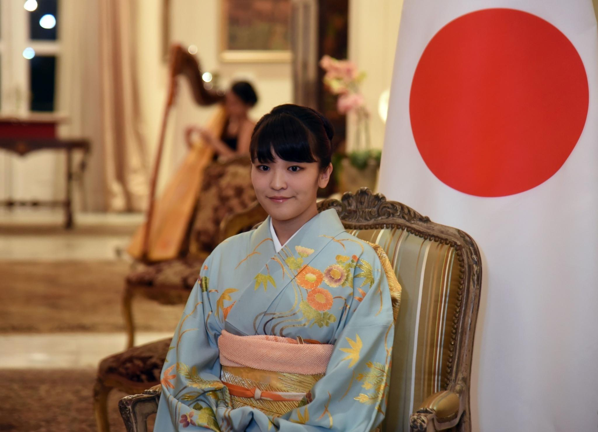 日本真子公主訂婚餐廳裡邂逅的「海王子」!為愛放棄皇室身份「超帥大學同學」背景被起底曝光!