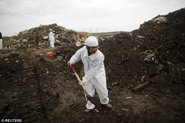 Norio Kimura lost his daughter Yuna in theFukushima tsunami and five years later he is still searching through the mud and rubble for her body
