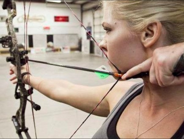 bow arrow archery girls 600 71 Pull and release with some archery girls (54 Photos)