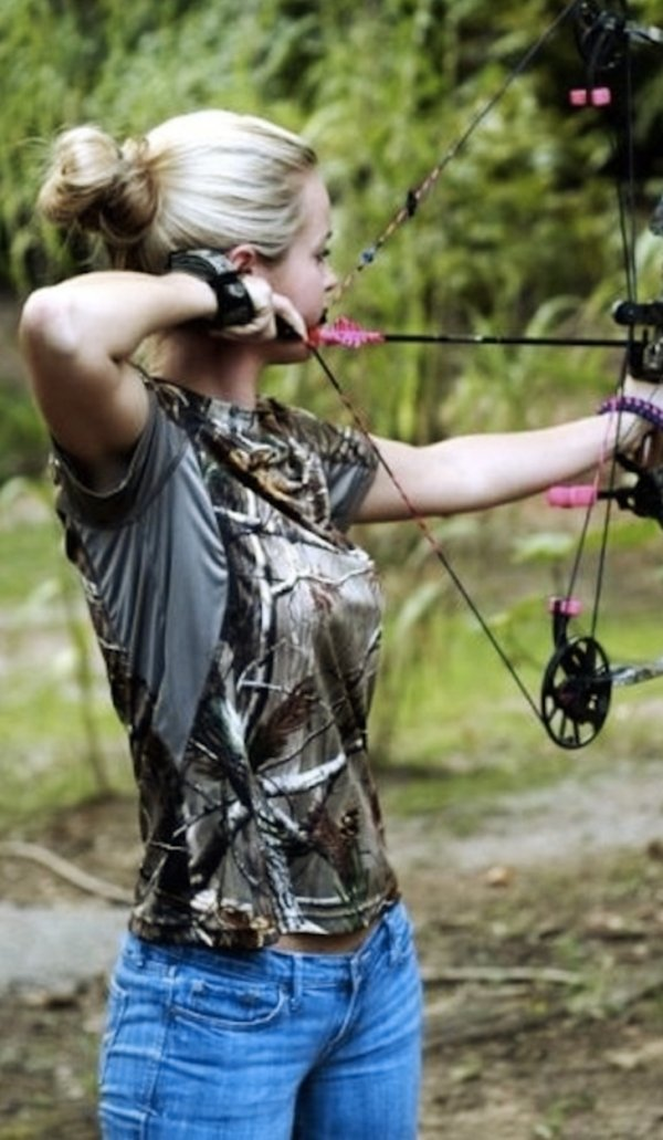 bow arrow archery girls 600 67 Pull and release with some archery girls (54 Photos)