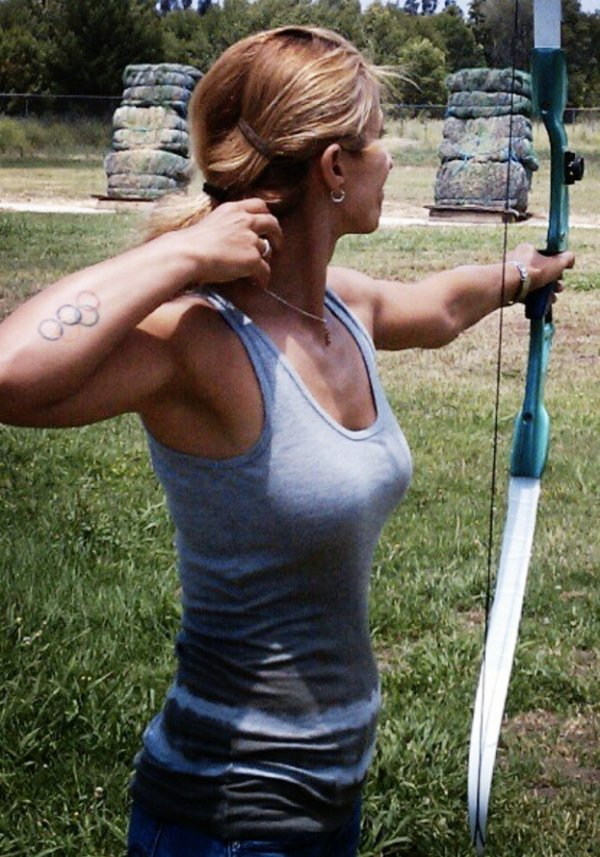 z1 bow arrow archery girls 600 6 Pull and release with some archery girls (54 Photos)