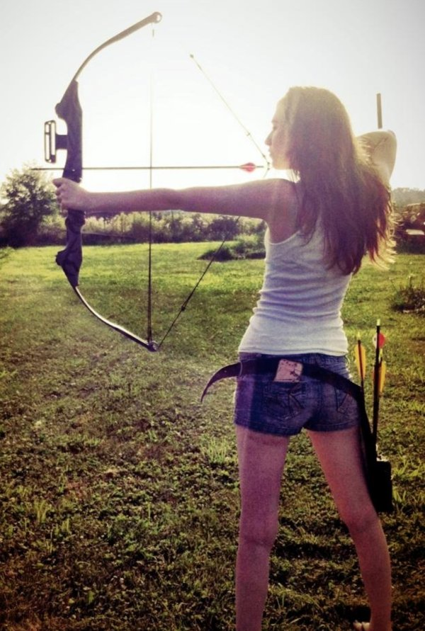 bow arrow archery girls 600 60 Pull and release with some archery girls (54 Photos)