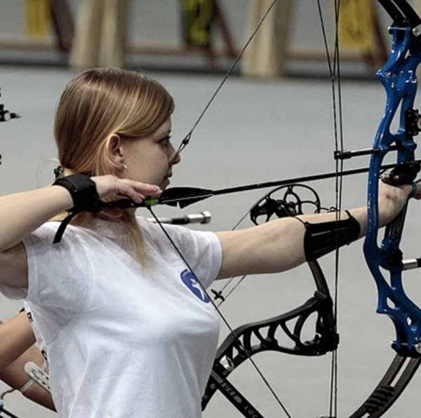 bow arrow archery girls 600 64 Pull and release with some archery girls (54 Photos)