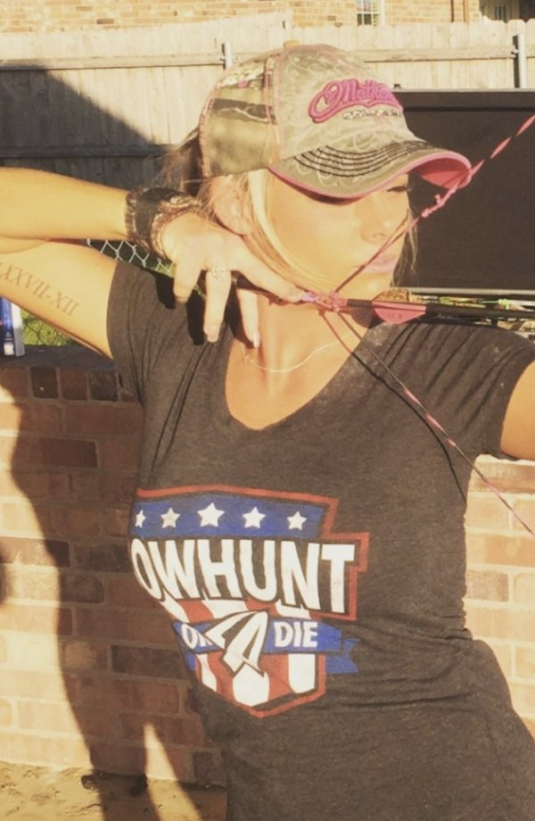 z1 bow arrow archery girls 600 3 Pull and release with some archery girls (54 Photos)