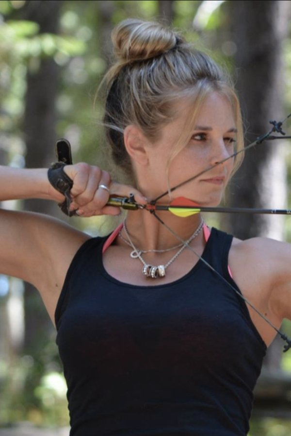bow arrow archery girls 600 47 Pull and release with some archery girls (54 Photos)