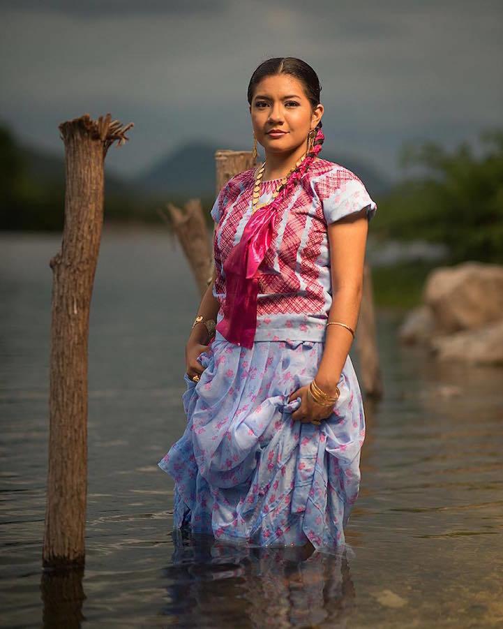 6年前「墨西哥最美的女孩」震驚全球!現在的她變超成熟「比以前更正」!