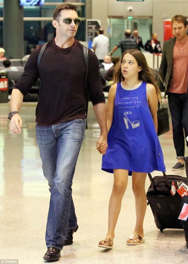 休傑克曼領養的「超萌女兒」現在長這樣!「你追我跑」溫馨畫面讓全世界都想要這樣的老爸!