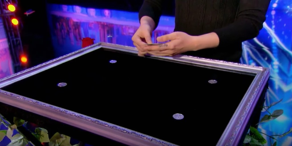 台灣魔術師挑戰《美國達人秀》,用「4枚台幣」讓在場的所有人嚇壞!1600萬網友求解!