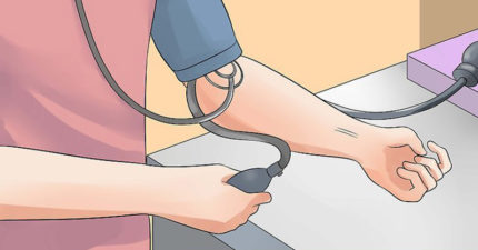 這就是為什麼不能只有單手量血壓!「雙手一起測量」可以拯救你的命!