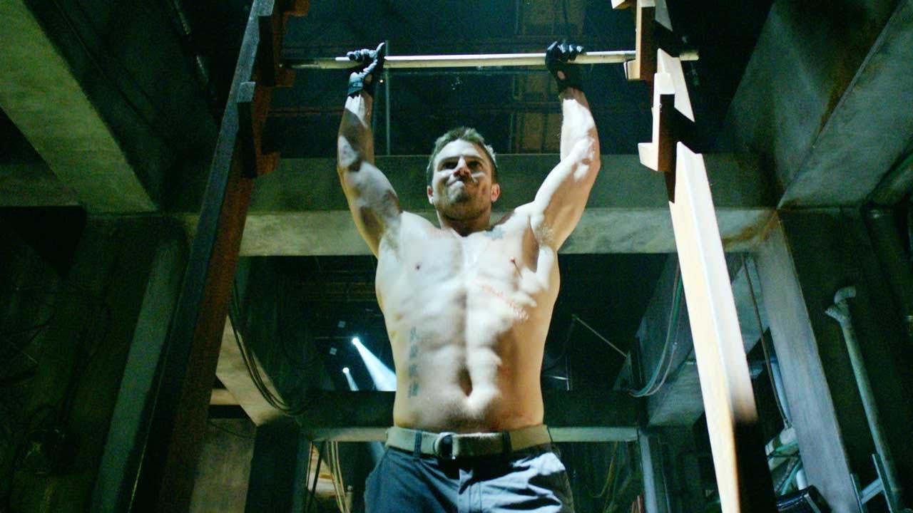 「綠箭俠」男演員挑戰「障礙挑戰比賽」,超完美破關證明他「是真的超級英雄」!(影片)
