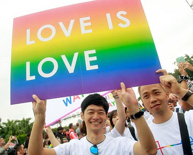 台灣大法官24日「同婚釋憲」成亞洲第一,中國網友:「我們要移民台灣」!