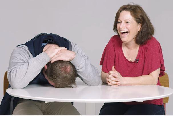 男子向母坦白「破處過程」,講到無私「口愛時」他崩潰!媽媽透露有幾個愛愛對象讓他想死了...(影片)
