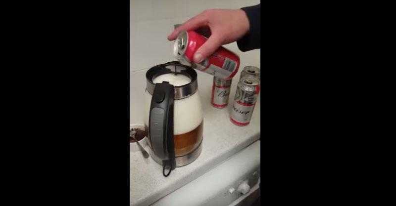 用茶壺煮啤酒有多嚴重?到最後男生都羨慕了...