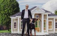 花4個月打造一棟價值超過600萬的「狗狗豪宅」不但有自動供應食物機,還有電視跟高級音響!