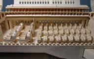 神人花9年打造「超狂牛皮紙飛機」!10萬小時手作1:1零件「內艙超細膩」!(10張+影片)