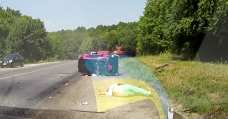 影片中幾秒後用最慘烈的方式讓你看到「安全帶」的重要性。(慎入)