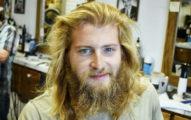 古典北歐風男子看起來像流浪漢,剪髮後「變超帥鋼鐵人」!