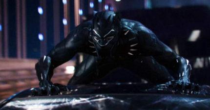 隱密國家的超級英雄《黑豹》預告片出爐,1:37發出紫色能量爆炸火力「不輸鋼鐵人」!