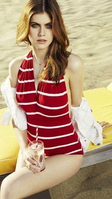 回顧「亞歷珊卓·妲妲里奧」《加州大地震》「乳搖女兒」歷史性感銷魂片段!#12 衣服撩起來這段是乳搖經典!