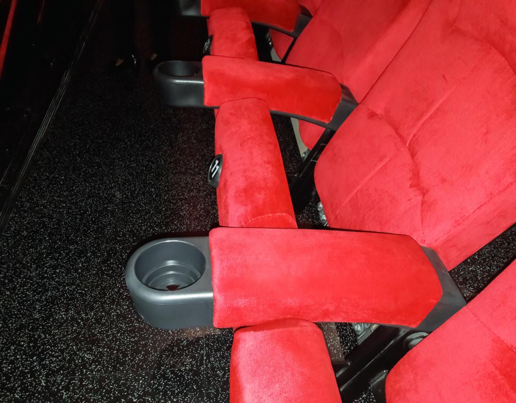 18個聽起來很唬爛但「其實是真的」超狂電影冷知識。 #1 中國不能播放「時空穿梭」電影因為...