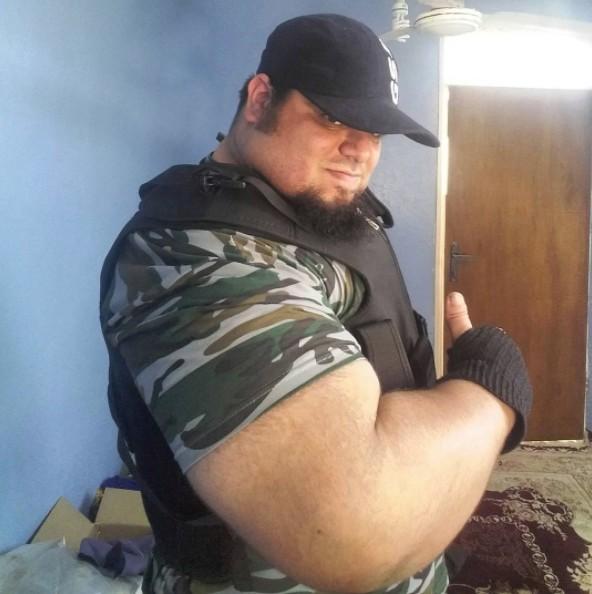 傳說中要去痛毆ISIS的「伊朗浩克」,看到滿身「巨型肌肉」壯到能把人嘶碎!