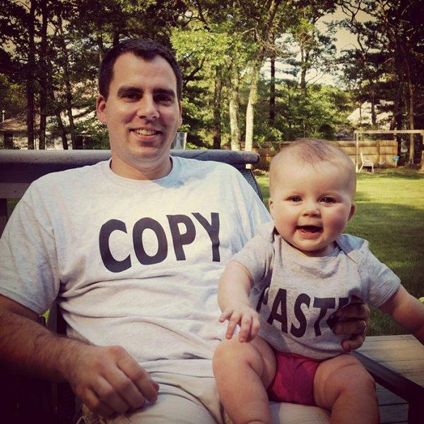 34個會讓人羨慕到爆的超潮「天生一對T恤」。#27 最色的人才看得懂!