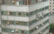 台灣最狂頂樓加蓋!台中超狂「大樓上面再蓋一棟樓」!網友:「好扯,空中別墅!」