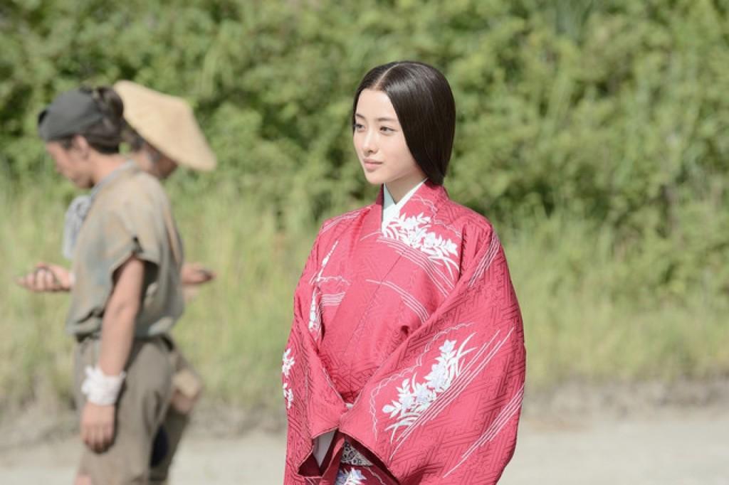 《朝5晚9》假戲真做,山下智久爆9月娶石原聰美!女方鬆口:「到演夫妻的年紀了。」