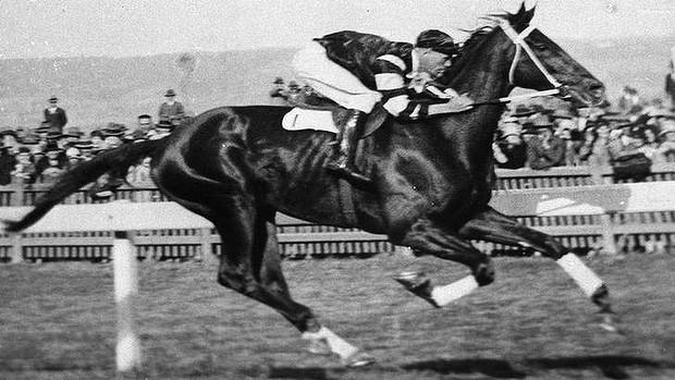 這名賽馬選手是金氏世界記錄上唯一「死掉後才得到冠軍」的人!