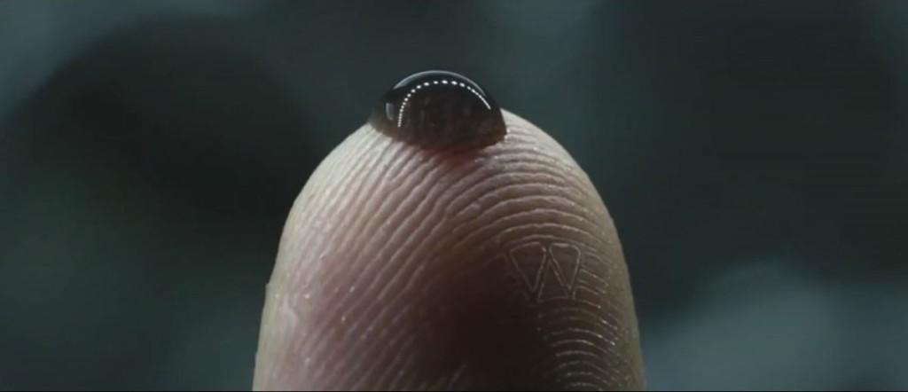 15個讓你看到為什麼亞洲片打不過好萊塢的「超猛電影細節」。#3 《普羅米修斯》大衛的指紋!