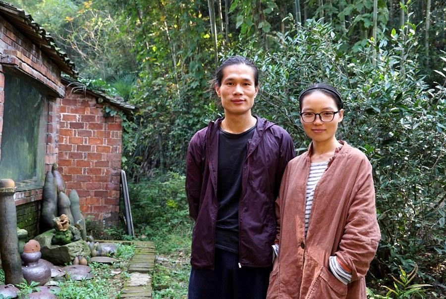 年輕夫妻花21萬「2年親手改造破舊農舍」,神仙生活男耕女織「內部隱居空間」讓人嫉妒!