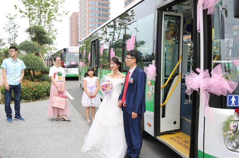霸氣新娘「開公車娶老公和家屬」最浪漫的結緣!背後訴求「大勝奢華婚禮」民眾讚爆!
