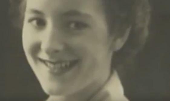 她自二戰後每天對著同一張照片說「早安」,70年後「他」回應了。(影片)