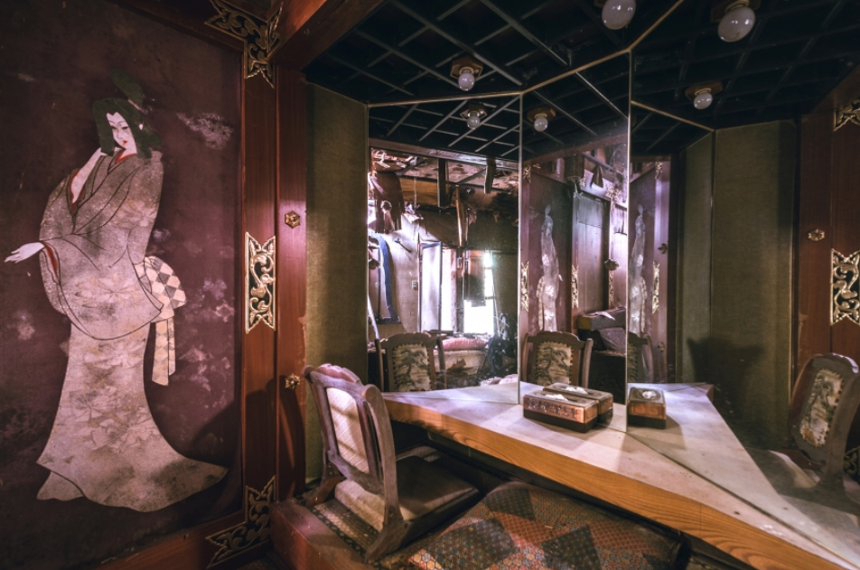 9張充滿故事的「日本廢棄愛情旅館」淒美廢墟攝影照。