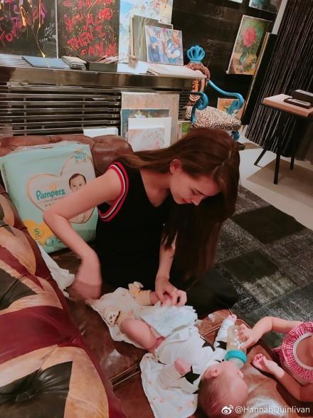 昆凌首曬兒子「側臉全身照」!小周周幫忙餵奶「超有愛畫面」讓她50字溫馨告白。